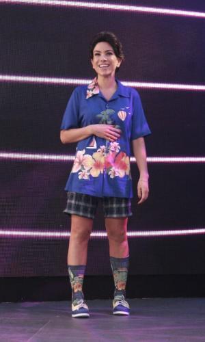 """Patrícia Abravanel faz brincadeira e se veste com um look inspirado no de Silvio Santos para divulgar a volta do """"Máquina da Fama"""" no domingo (1)"""