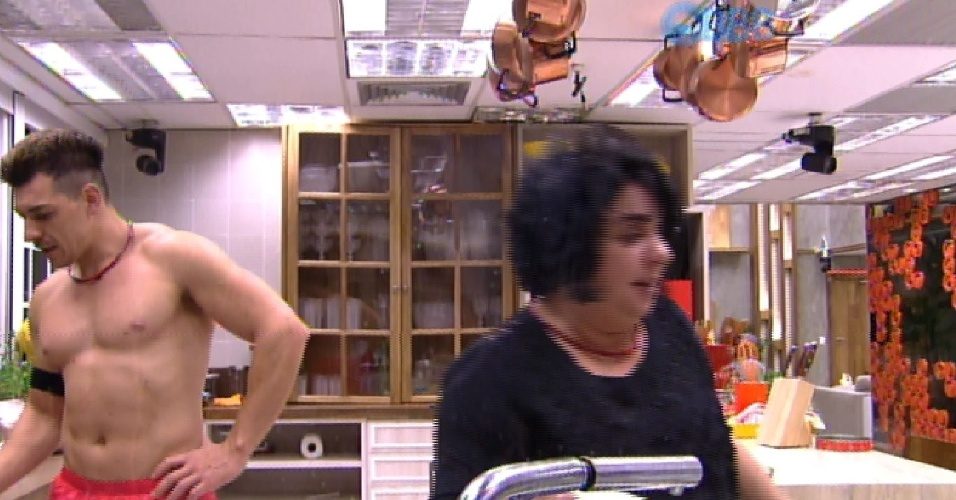 28.fev.2015 - Mariza diz que Cézar não escapa do paredão
