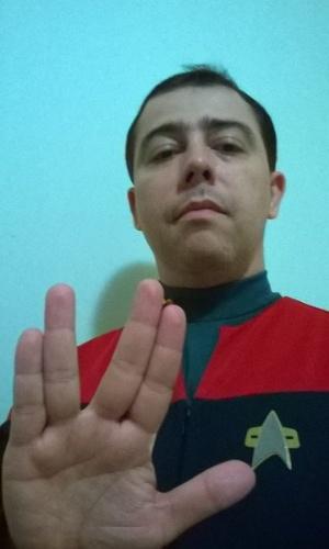 """""""Leonard Nimoy foi um ator e uma pessoa tão fenomenal quanto seu personagem Spock. Já deixa saudades"""" diz Leandro Marchesi, de Governado Valadares (MG)."""