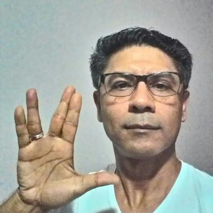 """""""Tenha uma boa jornada, Mr. Nimoy"""" diz Emiliano Paulista, de São Paulo (SP)."""