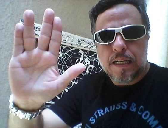 """""""Valeu, Spock! Continue sua jornada 'nas estrelas'."""" diz Gil Ortuzal, de Andradina (SP)"""
