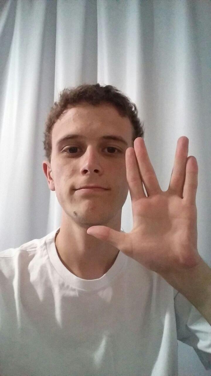 """""""Vida longa e próspera"""", escreveu Sérgio Alexandre Cordeiro, de Curitiba (PR)"""