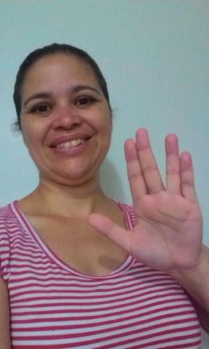 """""""Vida longa e próspera, Leonard"""" diz Vanessa Francisca dos Passos, de Santo André (SP)."""