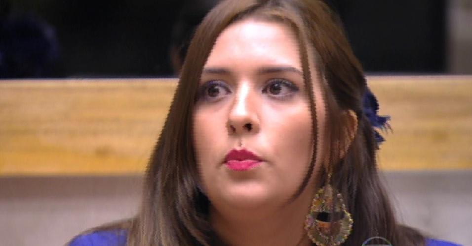1.mar.2015 - Bial anuncia que, por decisão do público, o anjo da semana  Tamires ganha autoimunidade