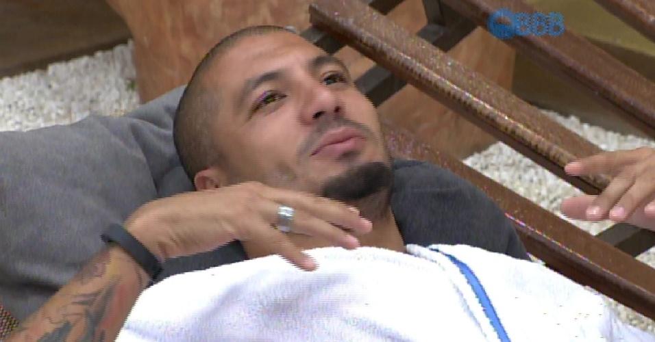 1.mar.2015 - Fernando reclama de Adrilles