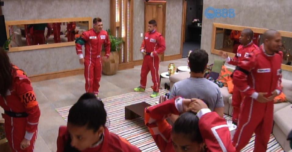 1.mar.2015 - O líder Adrilles separou os grupos. No verde estão Luan, Cézar, Mariza e Fernando e no laranja estão Rafael, Talita, Tamires e Amanda