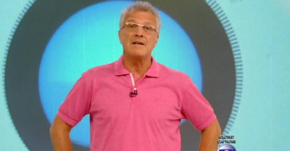 1.mar.2015 - Pedro Bial dá início ao programa ao vivo deste domingo (1)