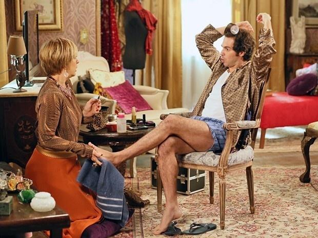 Pepito vira chefe e dá bronca em Samantha