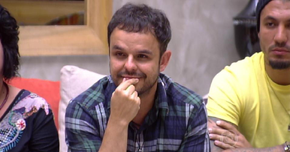 1.mar.2015 - Bial anuncia empate entre Talita, Adrilles, Fernando e Mariza
