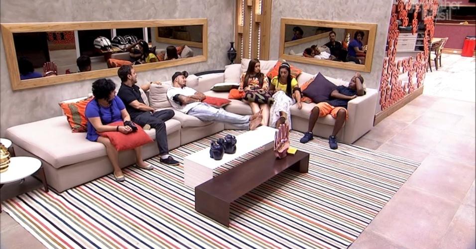 3.mar.2015 - Brothers conversam na sala enquanto aguardam início do programa ao vivo