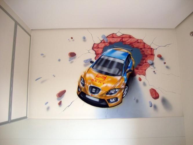 álbum com grafites para o quarto adolescente | O carro que parece atravessar a parede foi executado pelo artista Fernando Pow (www.fernandopow.com) usando a técnica de aerografia (técnica de pintura em que se usa compressor de ar ou lata de spray)