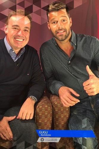 Gugu posa ao lado de Ricky Martin em entrevista nos Estados Unidos