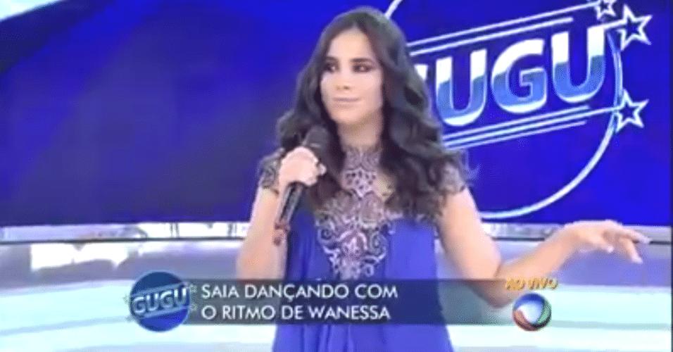 Wanessa fica parada no meio do palco do programa