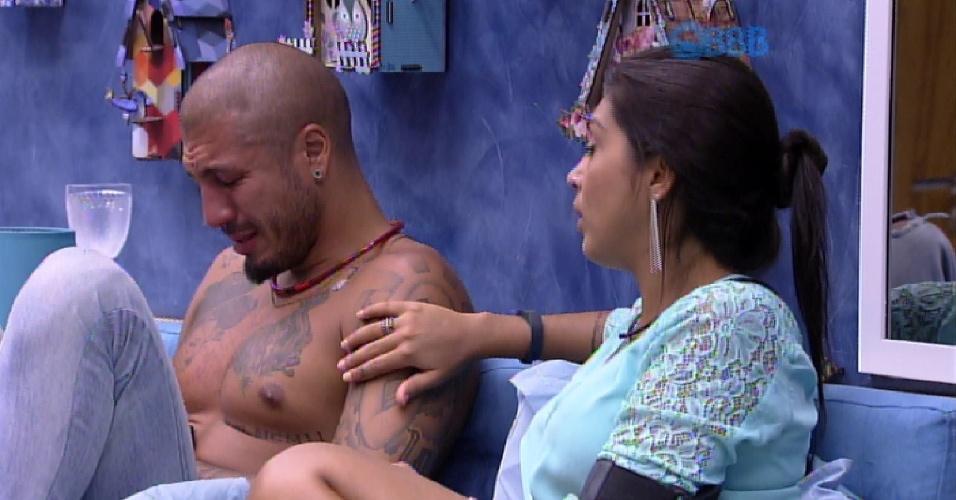 5.mar.2015 - Amanda consola Fernando e faz carinho no braço do produtor cultural. ?Eu não aceito ele [Luan] estar falando uma mentira minha e tua?