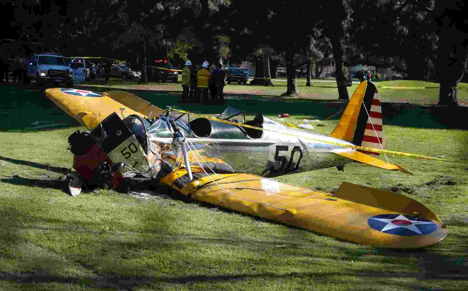 5.mar.2015 - Avião pilotado por Harrison Ford, que sofreu um acidente nesta quinta, em Venice, Califórnia - Lucy Nicholson/Reuters