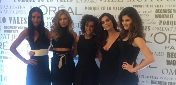 5.mar.2015 - Emanuela de Paula, Grazi Massafera, Taís Araújo, Juliana Paes e Isabeli Fontana em evento de beleza - Bianca Iaconelli/UOL