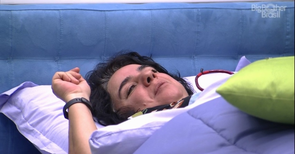 5.mar.2015 - Mariza diz para Adrilles deixar de ser masoquista após o poeta desabafar que seu encanto por Tamires permanece