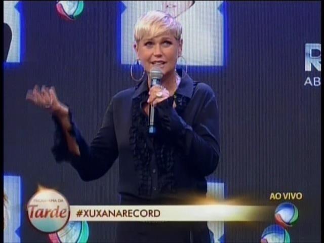 5.mar.2015 - Xuxa durante coletiva de imprensa na Record
