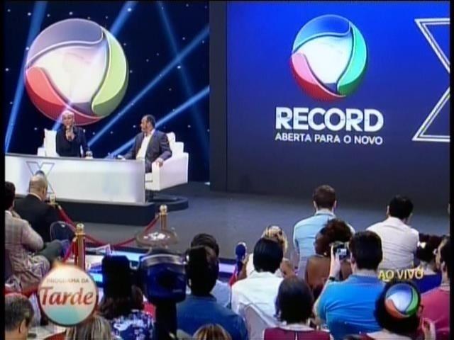 5.mar.2015 - Xuxa fala pela primeira vez após ser anunciada como nova contratada da Record