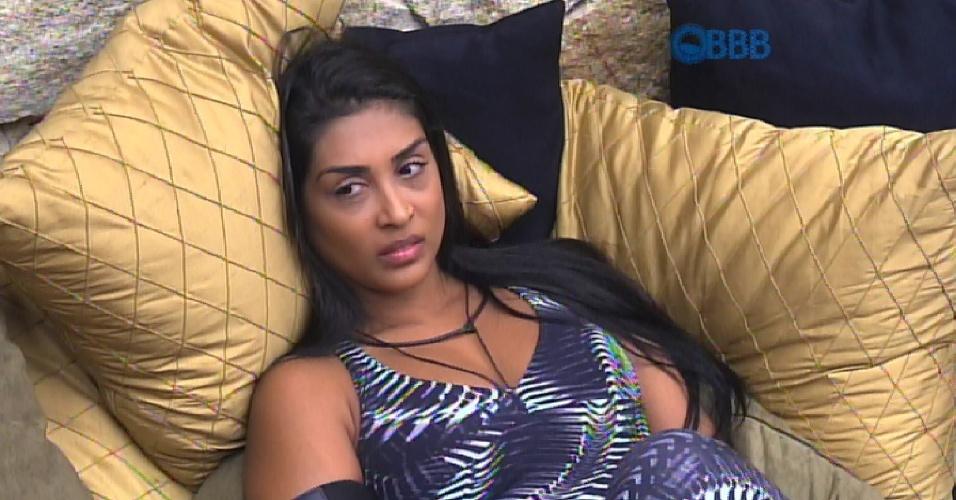 6.mar.2015 - Amanda aproveita o quarto do líder. Durante a conversa com Fernando e Tamires, Amanda diz que vai indicar Luan ao paredão