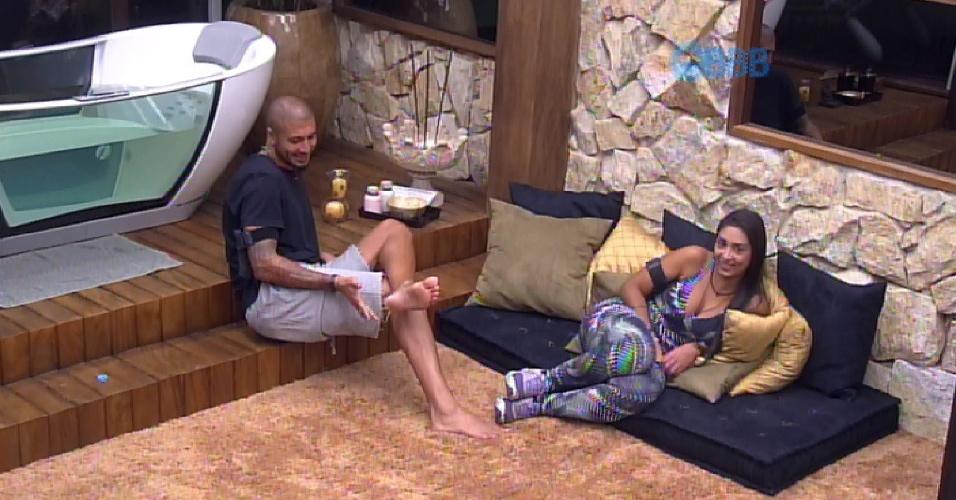 """6.mar.2015 - Fernando avisa: """"Se eu sair na próxima terça, tenho duas pessoas que eu torço aqui e não é brincadeira não. No Rafa e em você [Tamires]""""."""