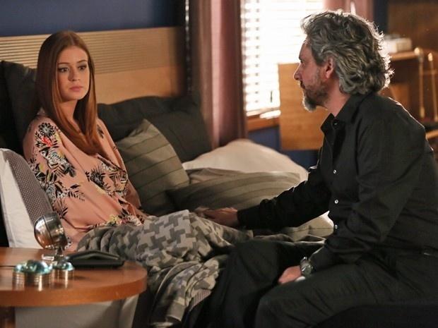 Isis (Marina Ruy Barbosa) briga com José Alfredo (Alexandre Nero) em