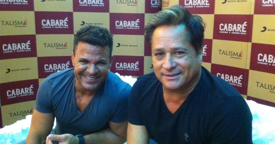 Os cantores Leonardo e Eduardo Costa