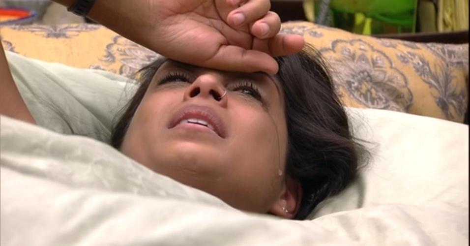 8.mar.2015 - Amanda chora e afirma que precisa se afastar de Fernando