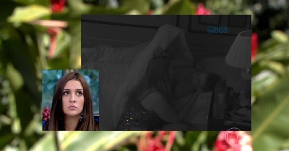 """9.mar.2015 - Após desistir de continuar no """"BBB15"""", Tamires participa do """"Mais Você"""". Na atração, ela conferiu a cena em que teria beijado Rafael"""