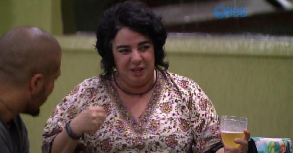 9.mar.2015 - Mariza critica corpo de Cézar