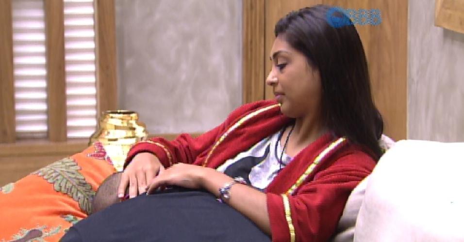 10.mar.2015 - Amanda, Fernando e Adrilles conversam sobre sexo