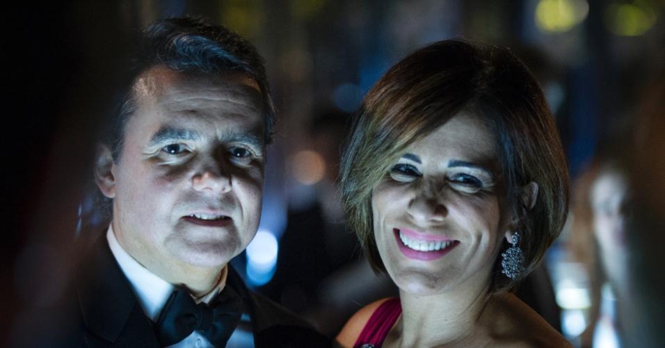 10.mar.2015 - Dono de uma importante construtora, Evandro (Cássio Gabus Mendes) se apaixona por Beatriz (Gloria Pires), mas será traído pela vilã
