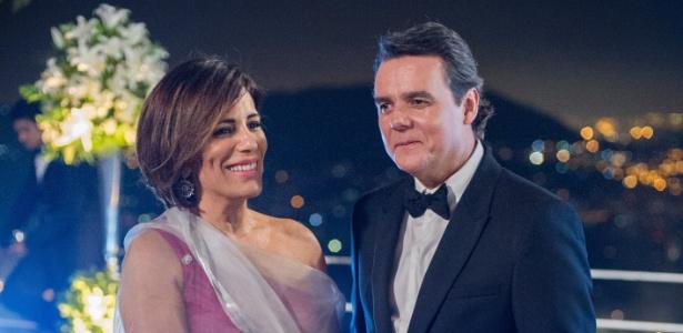 """Cássio Gabus Mendes e Gloria Pires vivem casamento de interesse em """"Babilônia"""""""
