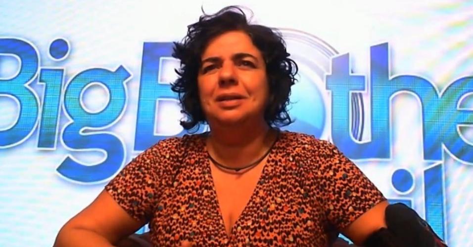 10.mar.2015 - Mariza revela desconfiança com Fernando, por ele estar cada vez mais próximo de Amanda