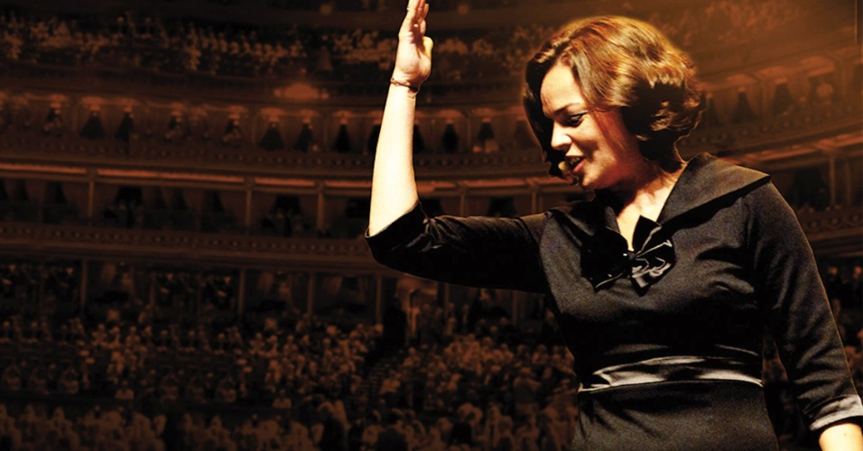 Anne Carrere interpreta Edith Piaf
