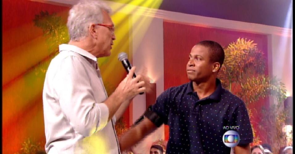 """10.mar.2015 - Com 87% dos votos, Luan é o sétimo eliminado do """"BBB15"""""""