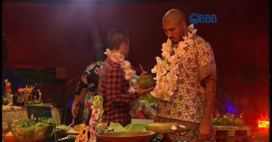 11.mar.2015 - Brothers curtem Luau no BBB15