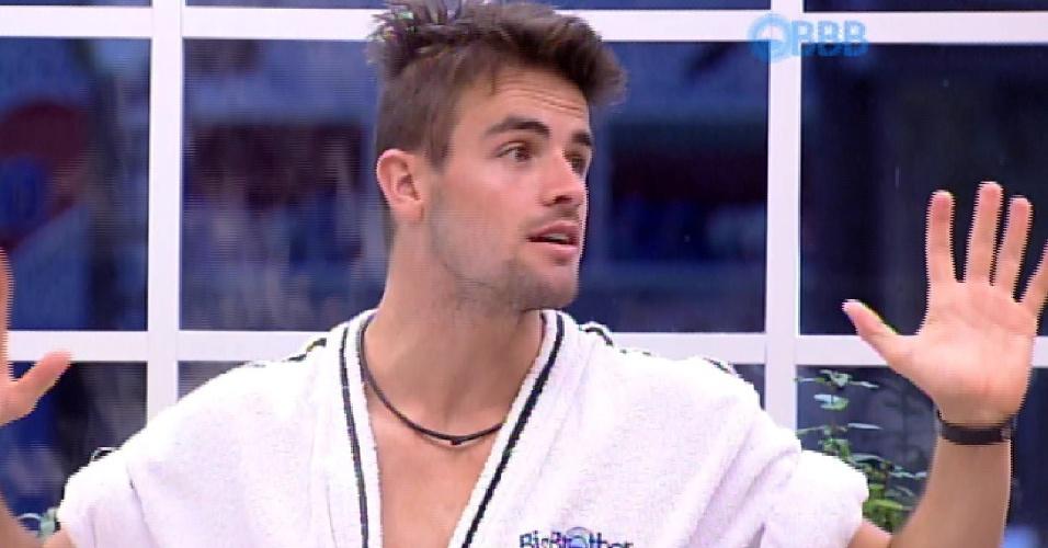 11.mar.2015 - Rafael diz que sonhou com ex-namorada e Talita