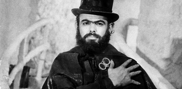 José Mojica Marins caracterizado como Zé do Caixão