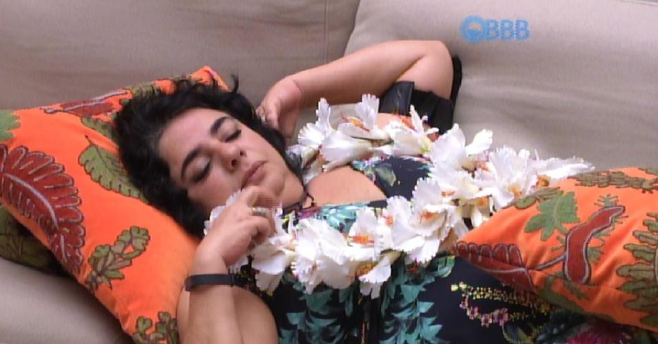 12.mar.2015 - Mariza tenta decifrar relação: ?Amanda apaixonada e Fernando quer passar tempo?