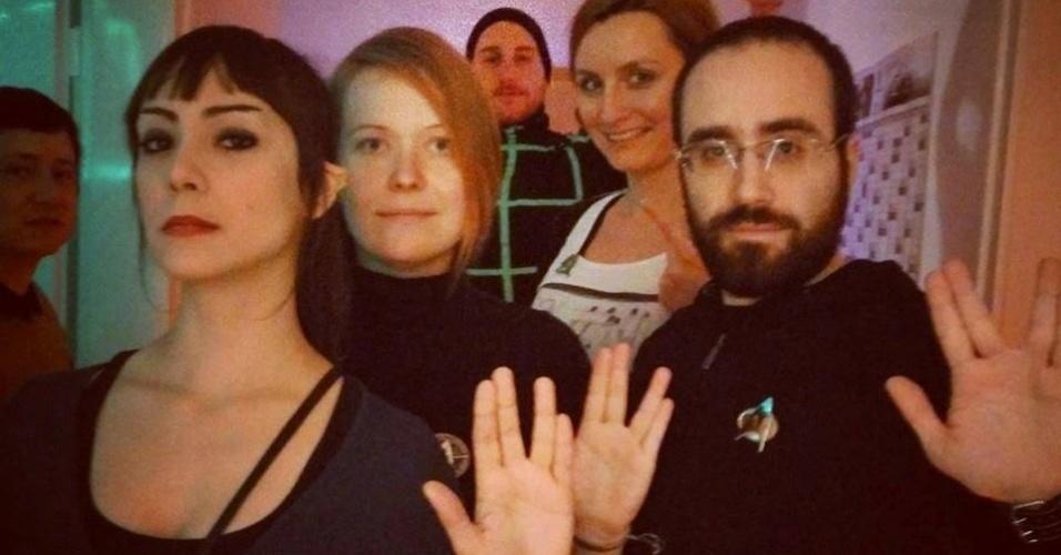 A animadora mineira Natalia Freitas (à esq.) e amigos em Ludwigsburg, na Alemanha