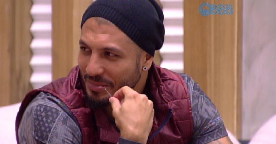 13.mar.2015 - Fernando diz que vai indicar Andressa ao paredão