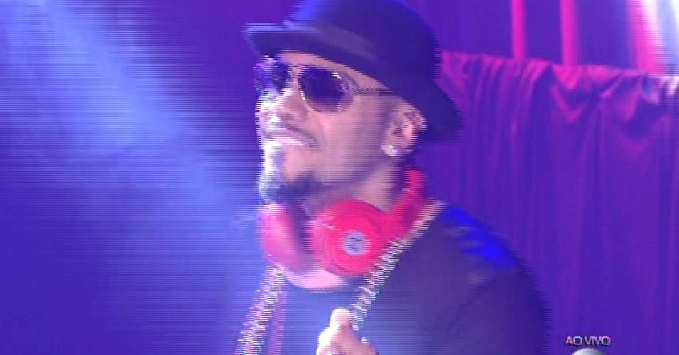 13.mar.2015 - Naldo agita o Baila Carioca do