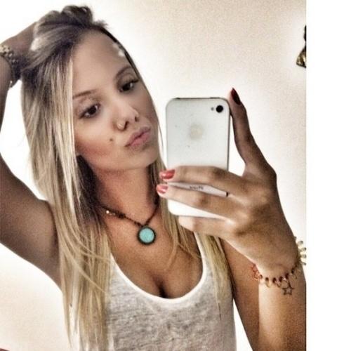 "13.mar.2015 - Substituta de Tamires no ""BBB15"", Andressa Santos tem 20 anos e gosta de postar selfies no Instagram"