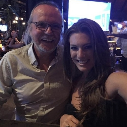 13.mar.2015- Tato Gabus Mendes e Elaine Mickely: