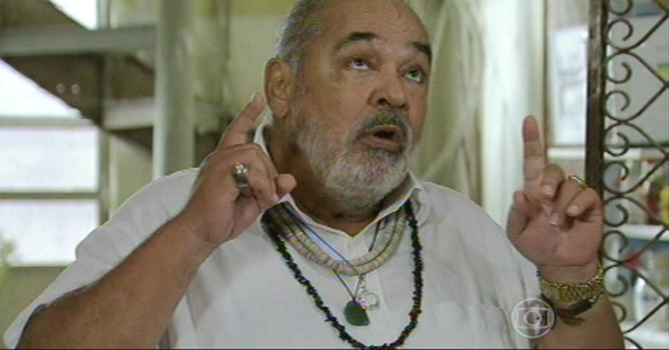 Antoninho pede a todos da casa da Xana que rezem por Cristina