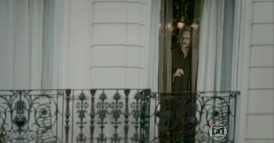 Após ser morto e cremado, José Alfredo aparece como fantasma na janela