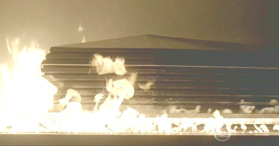 Corpo do comendador é cremado