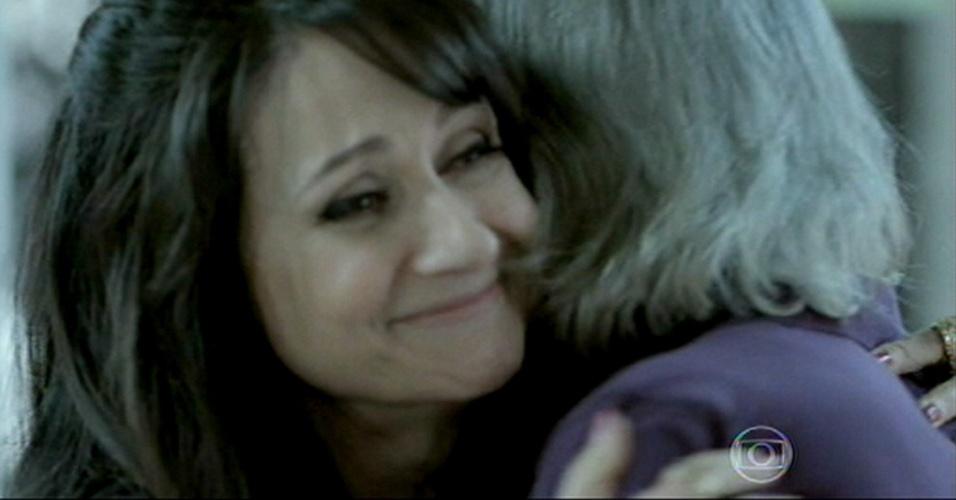Magnólia abraça Severo e diz que