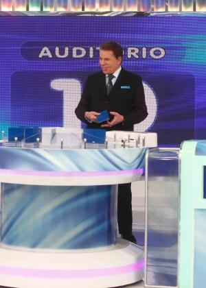 Silvio Santos, que volta de férias em março
